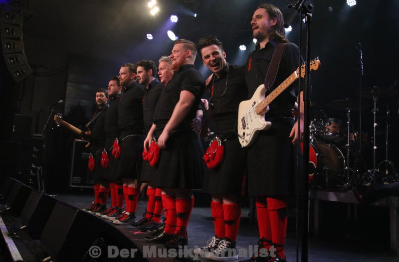 red hot chilli pipers 037